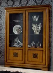 Klasikiniai interjerai Vonios baldai art 002/T Vitrina