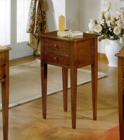 Klasikiniai svetaines baldai Infinity art 225 Telefono staliukas