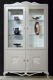 Klasikiniai svetaines baldai Vitrinos art 0610 Vitrina