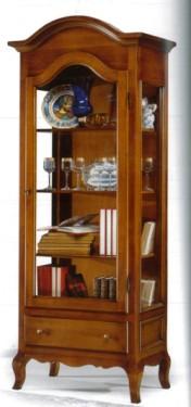 Klasikiniai svetaines baldai Vitrinos art 102/A Vitrina