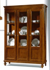 Klasikiniai svetaines baldai Vitrinos art 953/A Vitrina