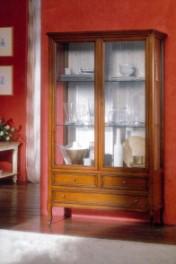 Klasikiniai svetaines baldai Vitrinos art 734 Vitrina