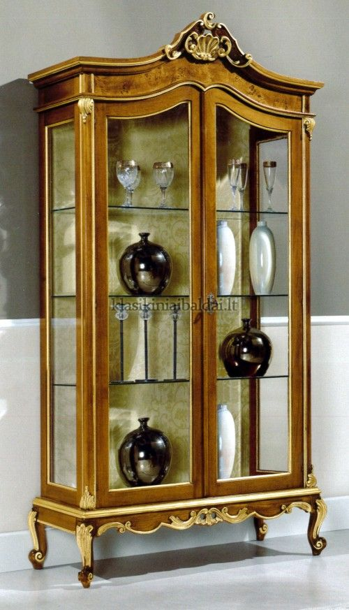 Klasikinio stiliaus baldai art 067 Vitrina
