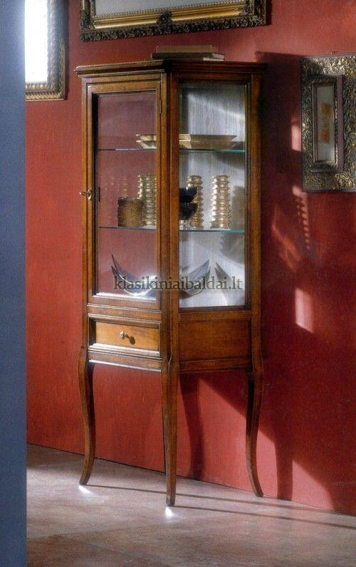 Klasikinio stiliaus baldai art 709 Vitrina