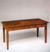 Klasikinio stiliaus baldai Furniture store art 648 Žurnalinis staliukas