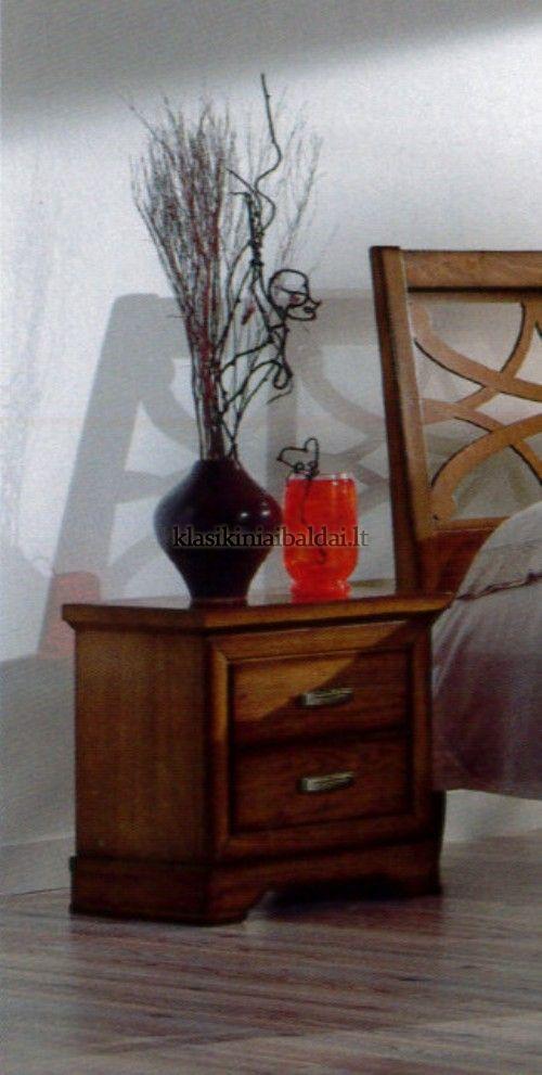 Klasikinio stiliaus interjeras art 032 Spintelė