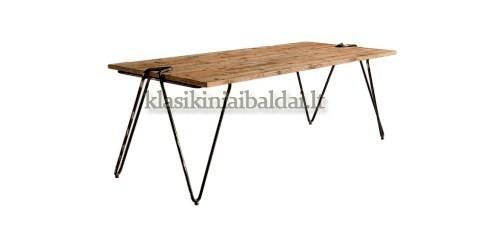 Klasikinio stiliaus interjeras art Graffa stalas