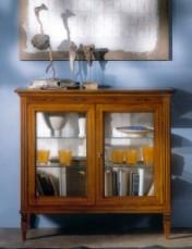 Klasikinio stiliaus interjeras Glamour art 800 Vitrina