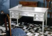Klasikinio stiliaus interjeras Glamour art 820 Rašomasis stalas