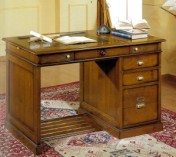 Klasikinio stiliaus interjeras Rašomieji stalai art 766 Rašomasis stalas